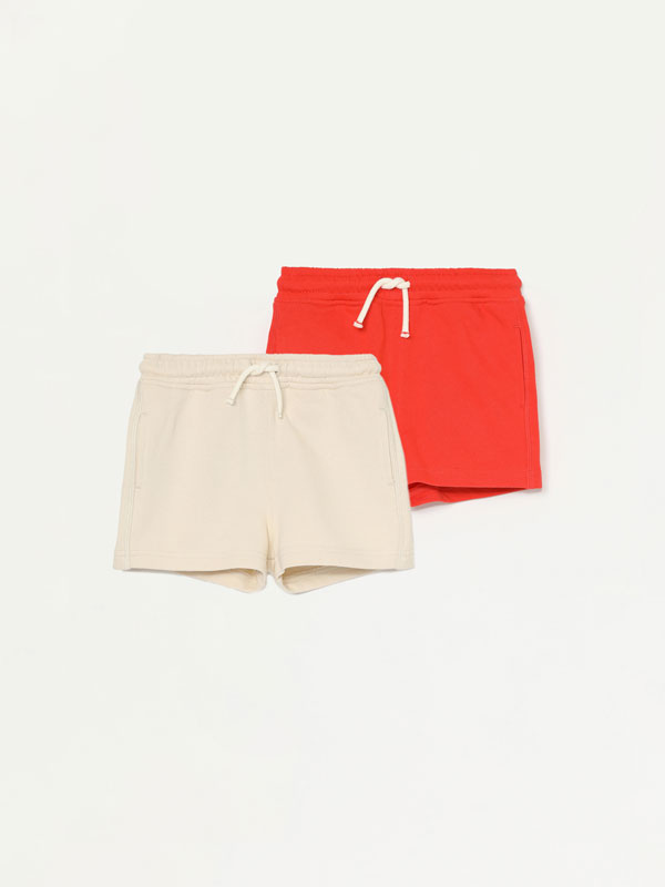 2-Pack of basic plain Bermuda shorts