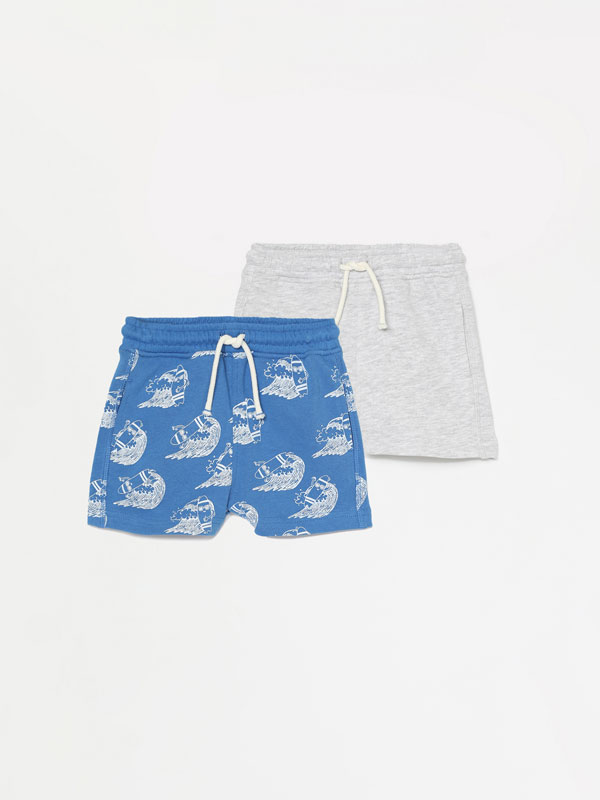 2-Pack of plain and printed Bermuda shorts