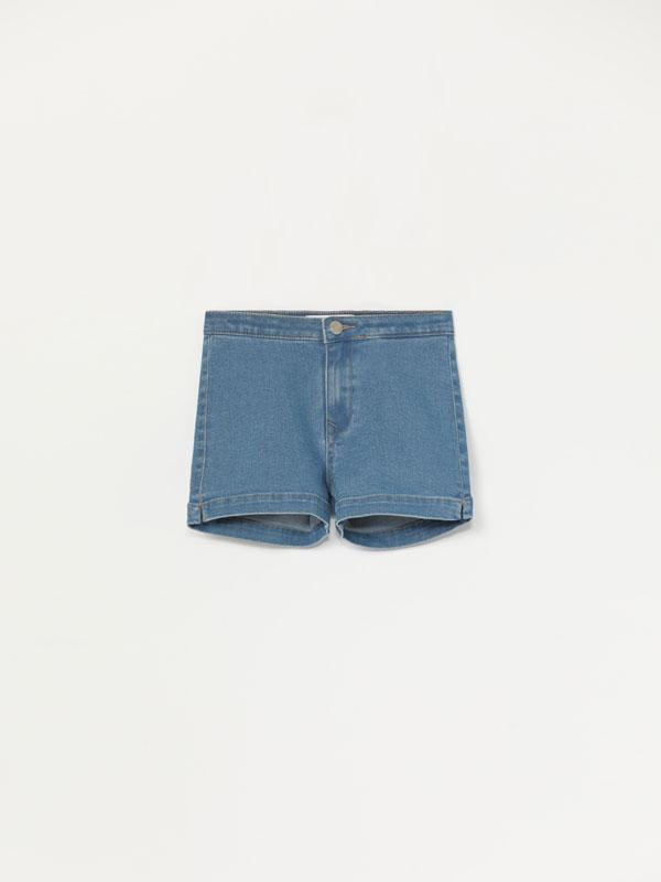 Pantalón curto vaqueiro básico