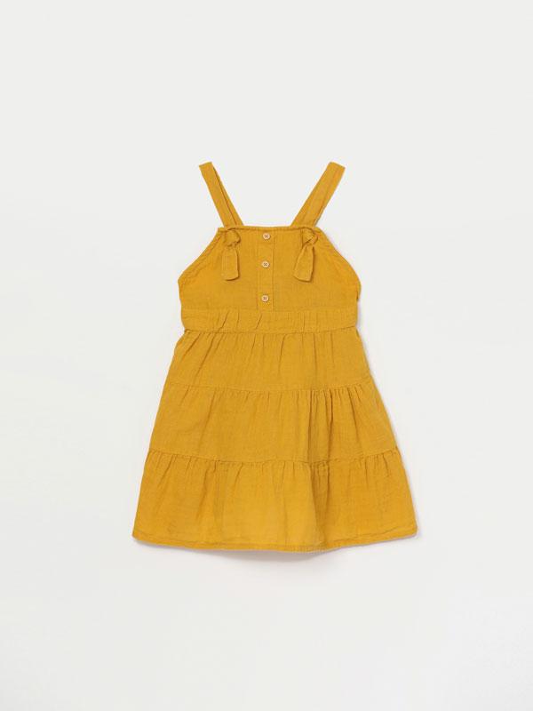 Vestido de alças com textura