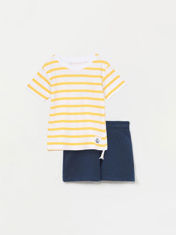 Conjunto de t-shirt e calções bermuda de 2 peças