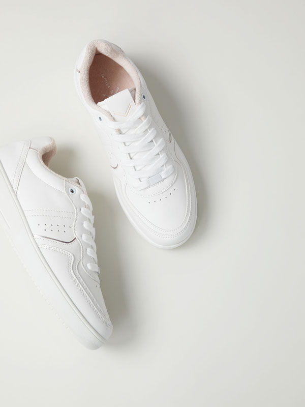 Sneakers with metallic detail
