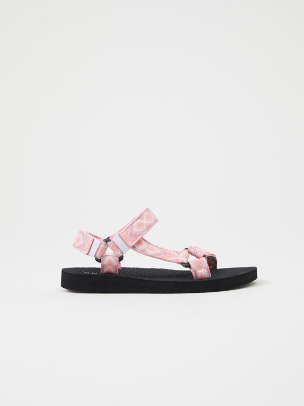 Kirol-sandaliak