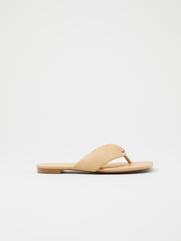Minimalist quilted sandals