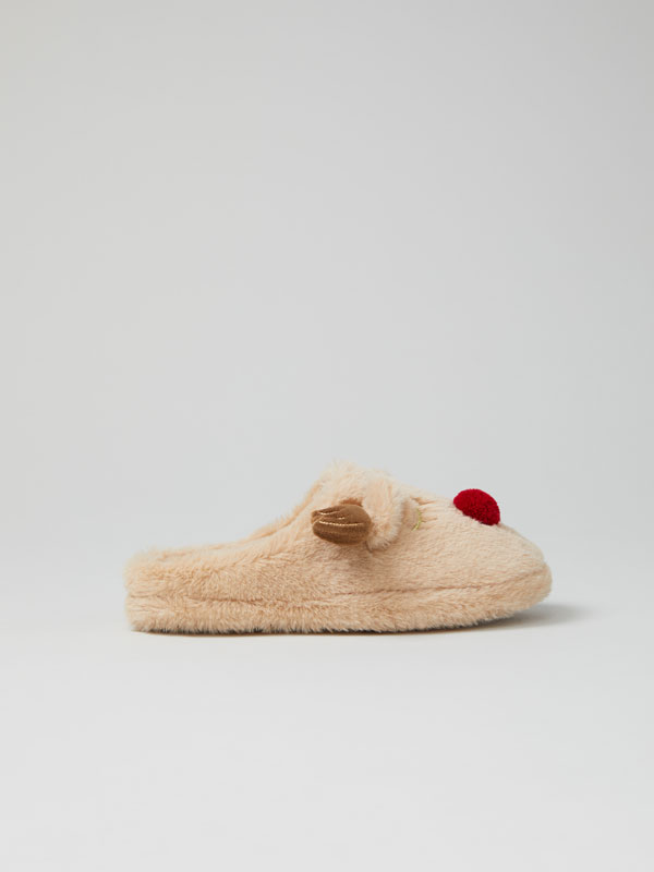 Cosy reindeer house slippers with comfy sole
