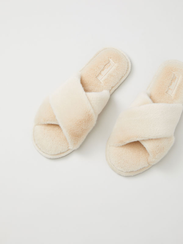 House slippers with crossover straps