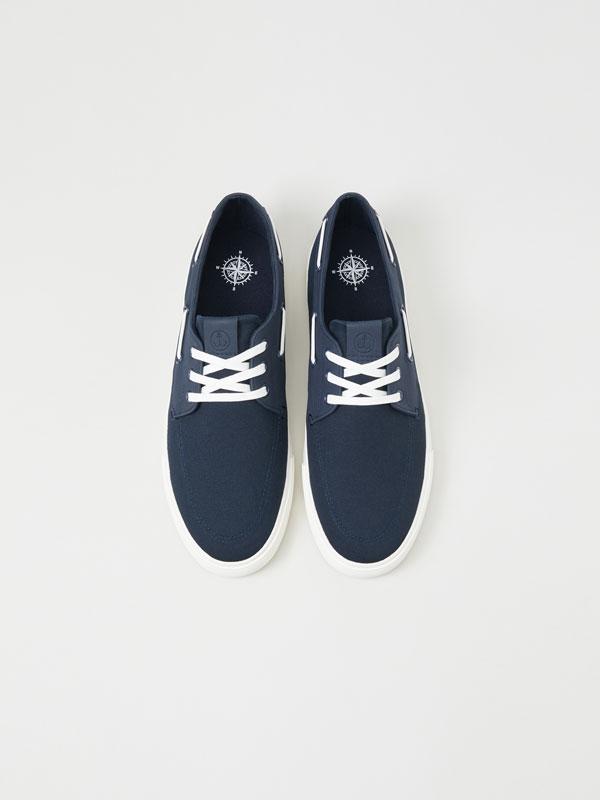 Boat shoe sneakers