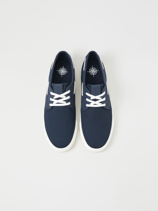 Boat shoe sneakers