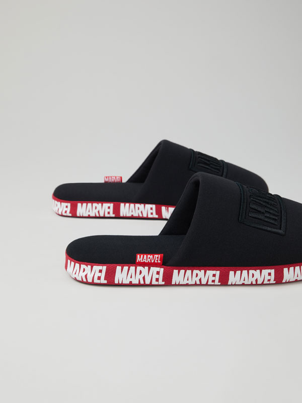 MARVEL house slippers with comfy sole