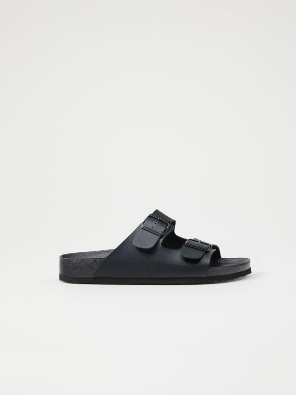 Sandalia fibelas