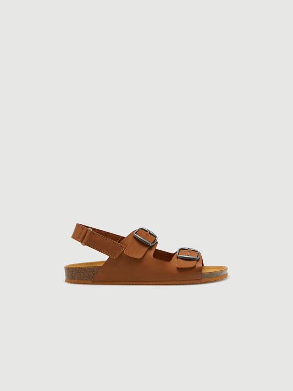 Sandalia hebillas