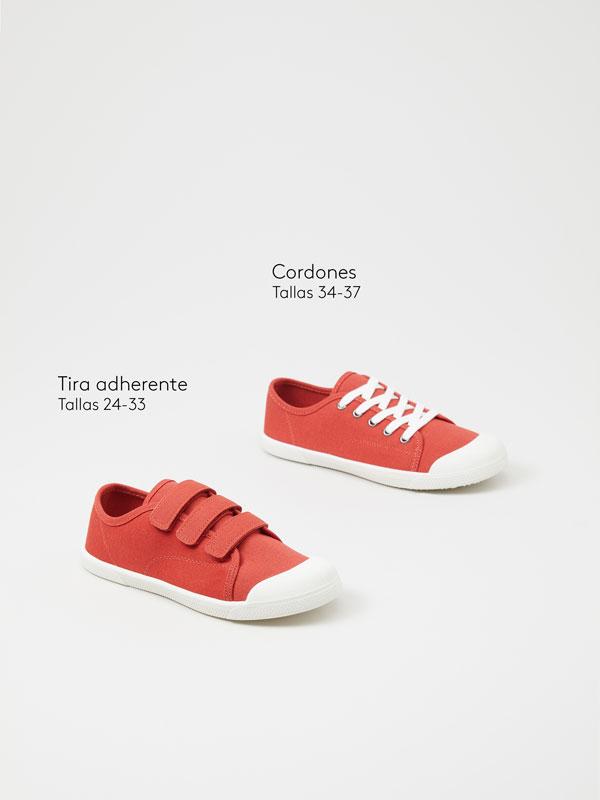 Sneakers with toecap